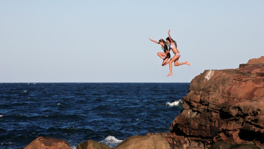 Прыжок в море