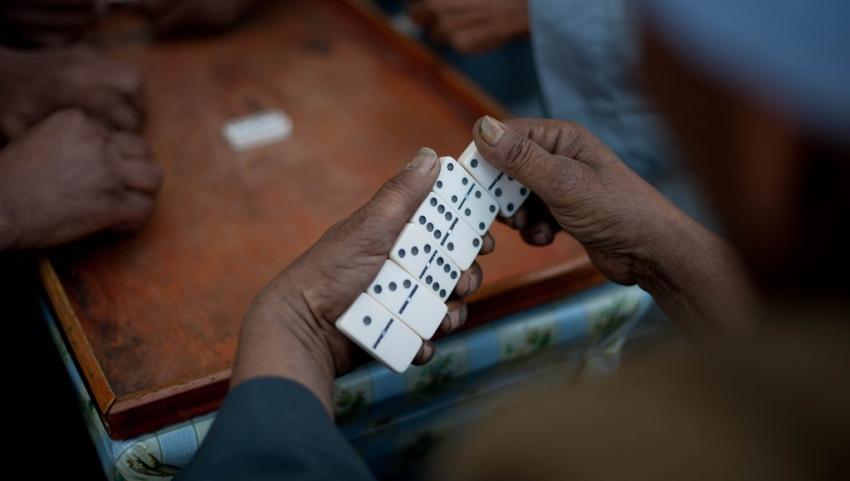 Игроки в домино