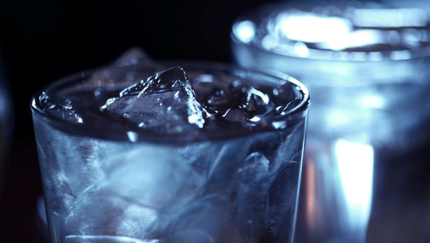 Вода со льдом.