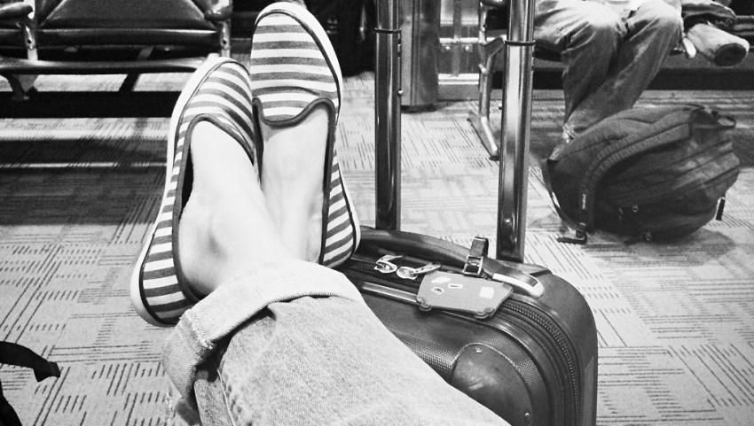 Отдыхаем в аэропорту.