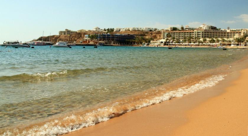 Пляжи Наама Бей.