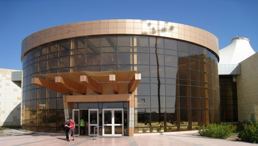 Здание аэропорта Шарм-эль-Шейха.