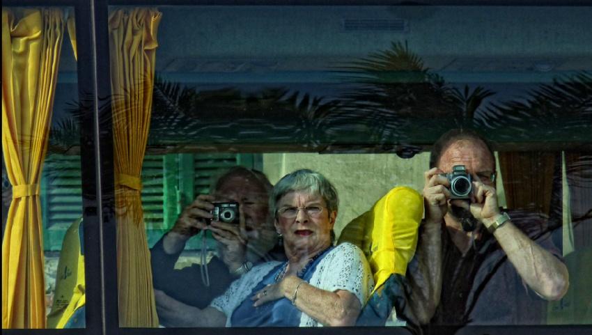 Туристы в автобусе.